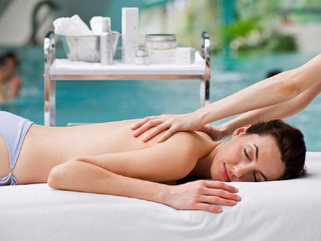 Caldea: Oriental Massage + access for 4 hours