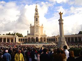 Obidos, Alcobaça, Nazare, Fatima and Batalha, Lisbon