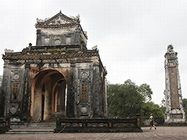 Half Day The Valley Of The Tombs From Hotel Inside Hue City Only, Hoi An - Danang - Central