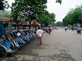 Half Day Dong Ba Market By Cyclo From Hotel Inside Hue City Only, Hoi An - Danang - Central