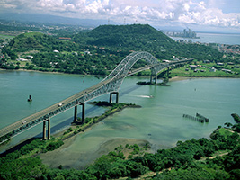 Panama Canal Bridges and Locks Tour, Panama City