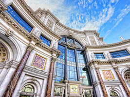 Shopping at The Forum Shops at Caesars Palace, Las Vegas - NV