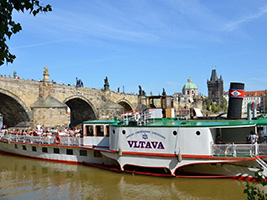 Cruise on the Vlatava River with lunch (with pick up in Down Town), Prague