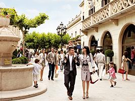La Roca Village shopping express, Barcelona