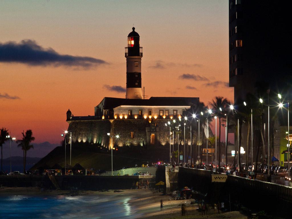 Curitiba à Noite com Jantar