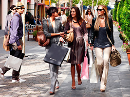 Las Rozas Village Shopping Day Experience, Madrid