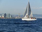 Travesía en velero por la costa de Barcelona