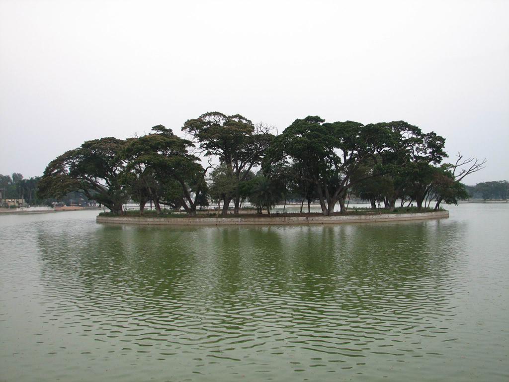 Tour Of Gurudwara And Lake Ulsoor | Hotels, Cars