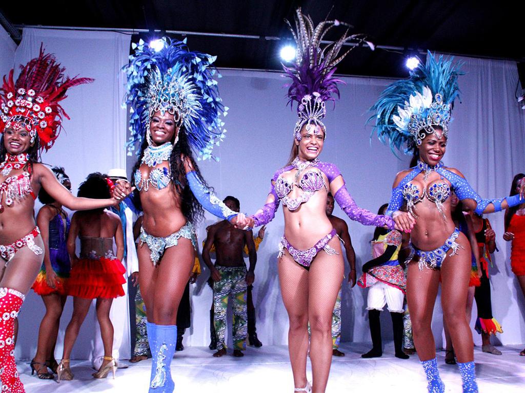 Espetáculo Ginga Tropical - as raízes do Brasil