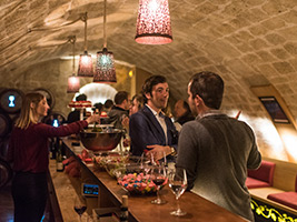 Les Caves du Louvre: Classic Wine Tasting Experience + Guided Tour, Paris
