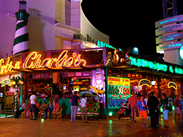 Carlos'n Charlies's and Mr Frog's - Free Bar, Cancun (and vicinity)