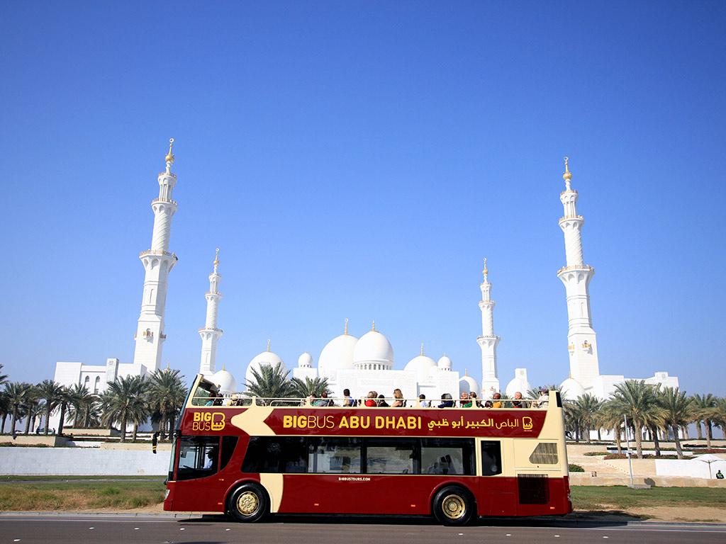 Viagem Hop-on Hop-off de Big Bus em Abu-Dhabi