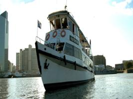 City tours with lunch in boat Humberto M, Buenos Aires