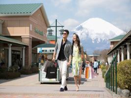 8e2e959e3770c3 Mt. Fuji, Gotemba Premium Outlets and Yamanakako Onsen - Full Day Tour