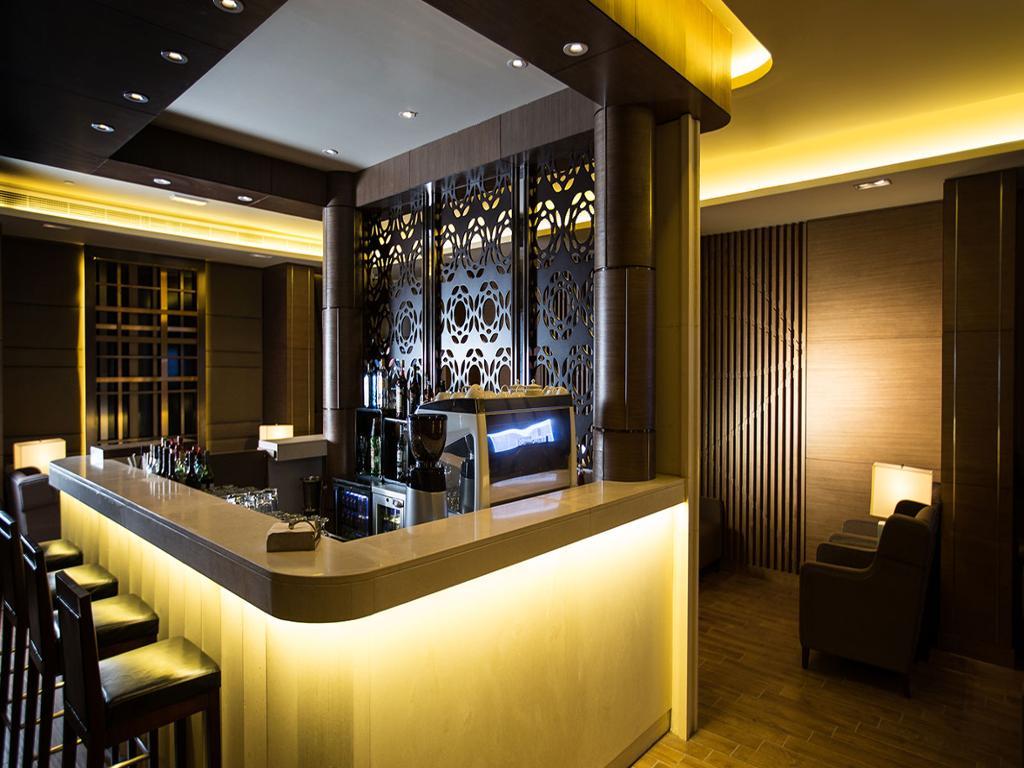 Al Reem Airport Lounge T1 - Abu Dhabi Airport