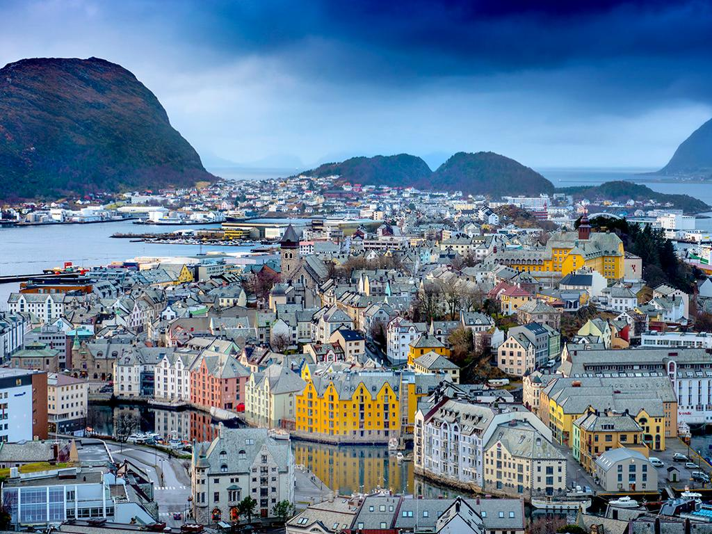 Alesund Walking City Tour