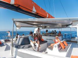Bay of Palma: Catamaran Excursion including Lunch and Drinks, Majorca